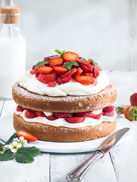 Rezept Fur Eine Einfache Erdbeer Mascarpone Torte Meine
