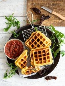Procciutto,Mozzarella, Rucola & Tomaten gefüllte Croissant-Waffeln, Knack & Back