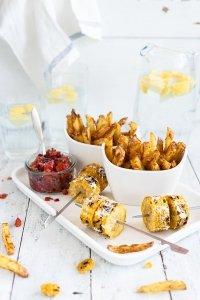 Hand cut Fries , Parmesan Maiskolben