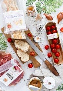 Ciabatta, Mandel Creme, Schinken & Salami; Bruschetta